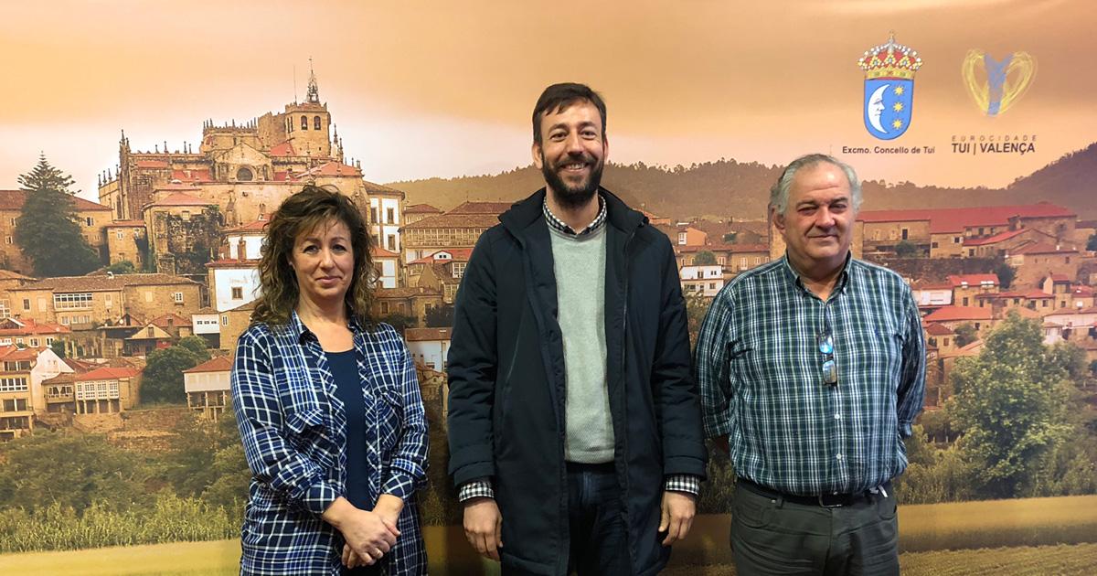 Fina Fernández, Carlos Vázquez Padín e Suso Corral na presentación da Gala Homenaxe