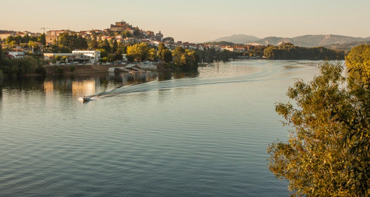 concello-de-tui-turismo-rio-1